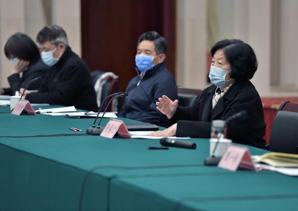 中央指导组与抗疫一线媒体记者座谈:
